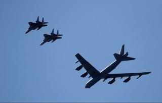 2 bombardieri USA volano sorvolano Israele diretti verso il Golfo Persico