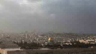 Israeliani attaccano palestinesi nella Gerusalemme Est occupata