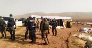 IOF demoliscono Khirbet Homsa, nella Valle del Giordano, per la settima volta