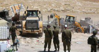 Ordini di demolizione contro diverse abitazioni a sud di Nablus