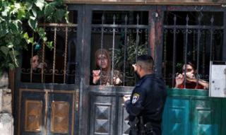 Sentenza di tribunale israeliano sfratta sei famiglie palestinesi a Gerusalemme