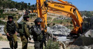 IOF demoliscono e confiscano tende di cinque famiglie ad est di Nablus