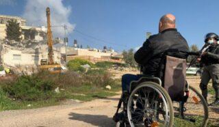 Gerusalemme, le IOA demoliscono casa di palestinese disabile
