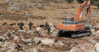 IOF confiscano bulldozer della scuola di Burin