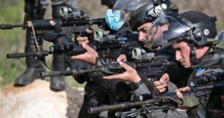 Due giovani palestinesi feriti dalle IOF nel sud di Betlemme