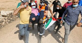 Palestinesi feriti dalle IOF durante scontri a Beit Dajan