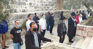 180 coloni invadono al-Aqsa nel terzo giorno di Ramadan