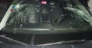 Orda di coloni attacca automobilista palestinese