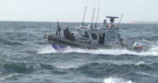 Le navi da guerra israeliane attaccano i pescatori di Gaza