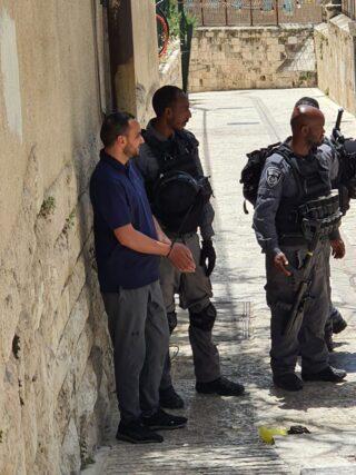Gerusalemme, arresti di massa tra i nativi palestinesi