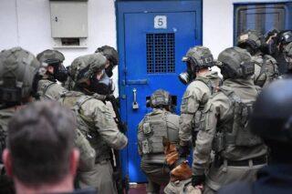 Tre palestinesi feriti durante incursione nel carcere israeliano di Megiddo