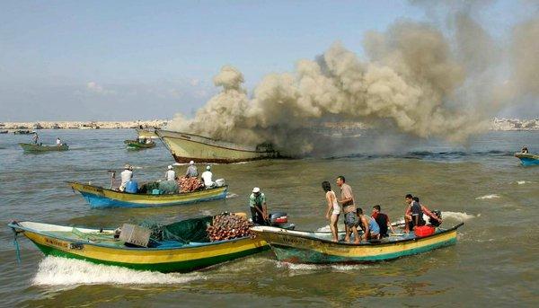 Striscia di Gaza, 2011: 40 pescatori palestinesi sequestrati da Israele