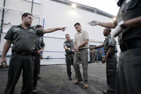 I tribunali militari israeliani hanno condannato oltre il 99% dei palestinesi processati