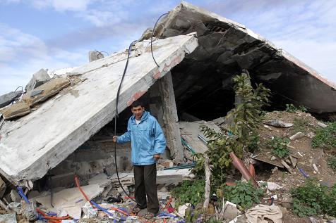Aperta a Gaza la prima mensa per poveri e indigenti