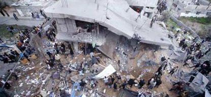 Eccidio sionista: 70 membri di una famiglia chiusi in una casa e bombardati dall'esercito di Israele.