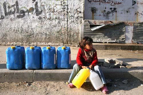 Striscia di Gaza sotto assedio: la catastrofe della sete.