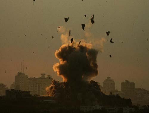 Secondo attacco aereo su Gaza: sale il numero dei feriti