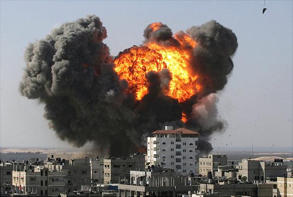 Bombardamento israeliano contro Gaza, nonostante la tregua. Il Clp invita i palestinesi a mantenere la calma