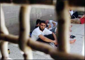 Prigionieri palestinesi, vietate per un anno le visite degli avvocati
