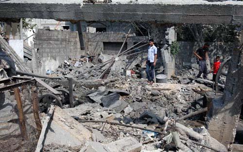 Aerei da guerra israeliani tornano ad attaccare la Striscia di Gaza