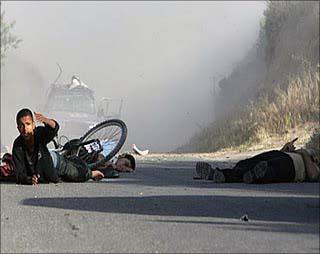 Nuovo attacco israeliano contro Gaza. Menomati due adolescenti palestinesi