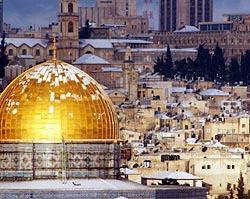 L'allarme del Mufti di Gerusalemme: 'Le autorità israeliane stanno usando agenti chimici sotto la Moschea di Al-Aqsa'.