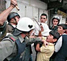 Le forze israeliane hanno lanciato una campagna di arresti in tutta la West Bank.