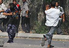 Continuano gli scontri tra membri di Fatah e forze esecutive ministeriali: 1 palestinese ucciso e 36 feriti.