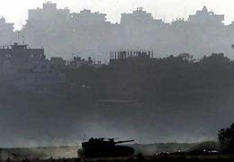 Decine di carrarmati e tank israeliani hanno invaso Beit Hanoun dopo il massacro di ieri.