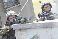 Le forze di occupazione israeliane assassinano 2 attivisti delle Brigate Al-Aqsa.
