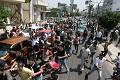 Centinaia di sostenitori di Fatah manifestano a Gaza contro Hamas. Pietre contro le Forze Esecutive.
