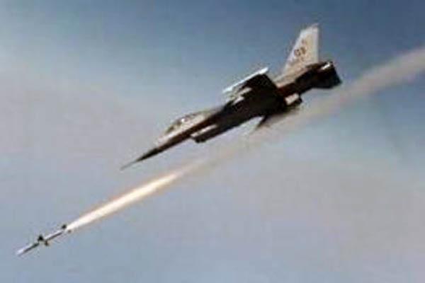 Striscia di Gaza, fine settimana segnato da raid aerei: 27 i feriti