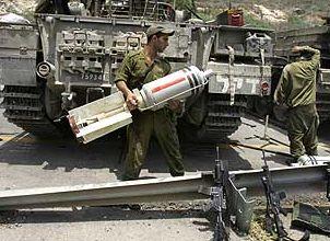 Dieci soldati israeliani feriti durante gli scontri con la resistenza palestinese a Gaza. Lancio di granate dal Libano. Israele risponde con 17 missili.