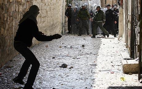 'Essawiyah: scontri tra polizia israeliana e manifestanti contro chiusura e demolizioni