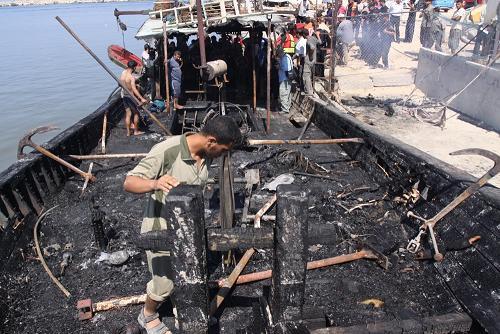 Gaza: distrutto un peschereccio del valore di 200 mila dollari