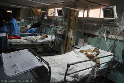 Malati di Gaza che rischiano di morire per un black-out.