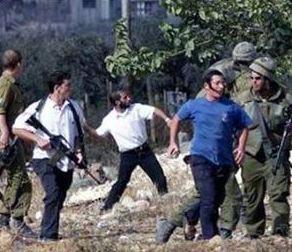 Nablus: prima assalto dei coloni israeliani, poi raid di esercito e polizia