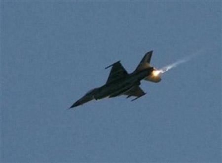 Missili israeliani sulla Striscia di Gaza
