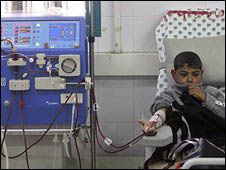 Crisi nei trattamenti di dialisi a Gaza. A rischio 450 pazienti