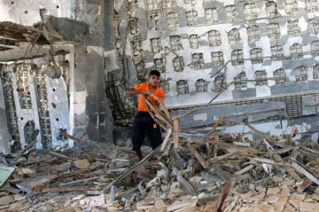 Striscia di Gaza: due operai palestinesi feriti dai soldati israeliani