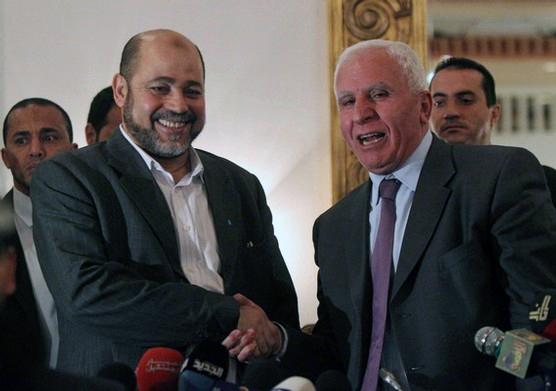 Hamas e Fatah firmano intesa per la fine delle divisioni politiche. Ora si attende la riconciliazione